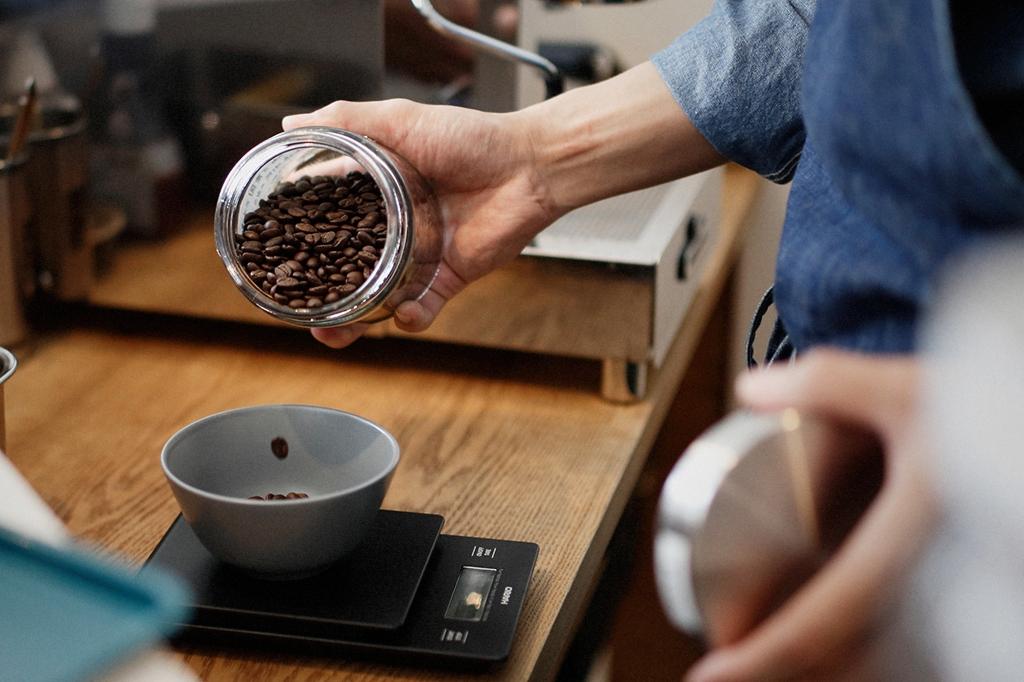 05/25(雨) – ROSA COFFEE オーナー兼バリスタ (31歳)-19