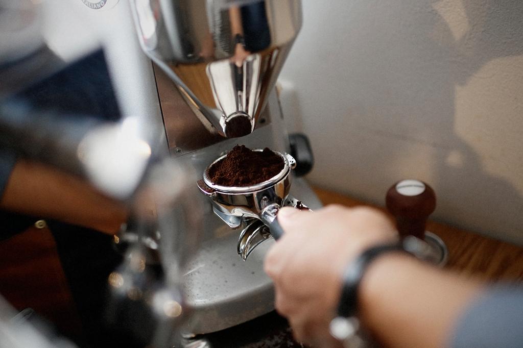 05/25(雨) – ROSA COFFEE オーナー兼バリスタ (31歳)-23