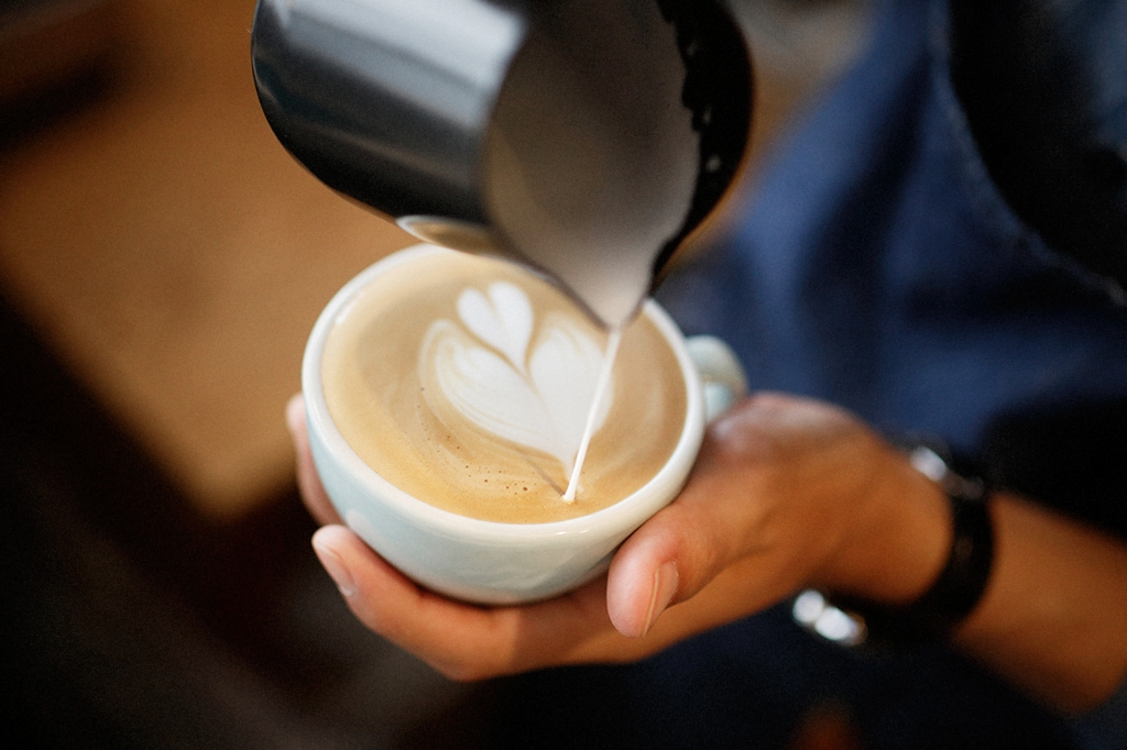 05/25(雨) – ROSA COFFEE オーナー兼バリスタ (31歳)-25