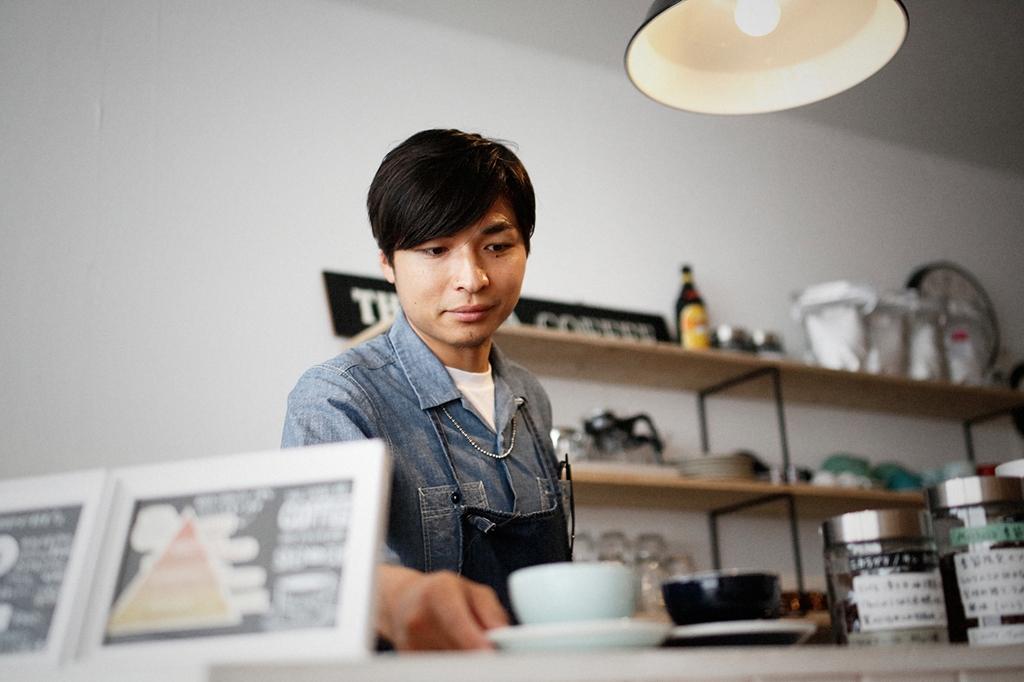 05/25(雨) – ROSA COFFEE オーナー兼バリスタ (31歳)-28