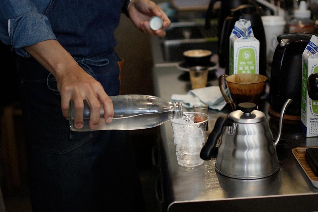 05/25(雨) – ROSA COFFEE オーナー兼バリスタ (31歳)-31