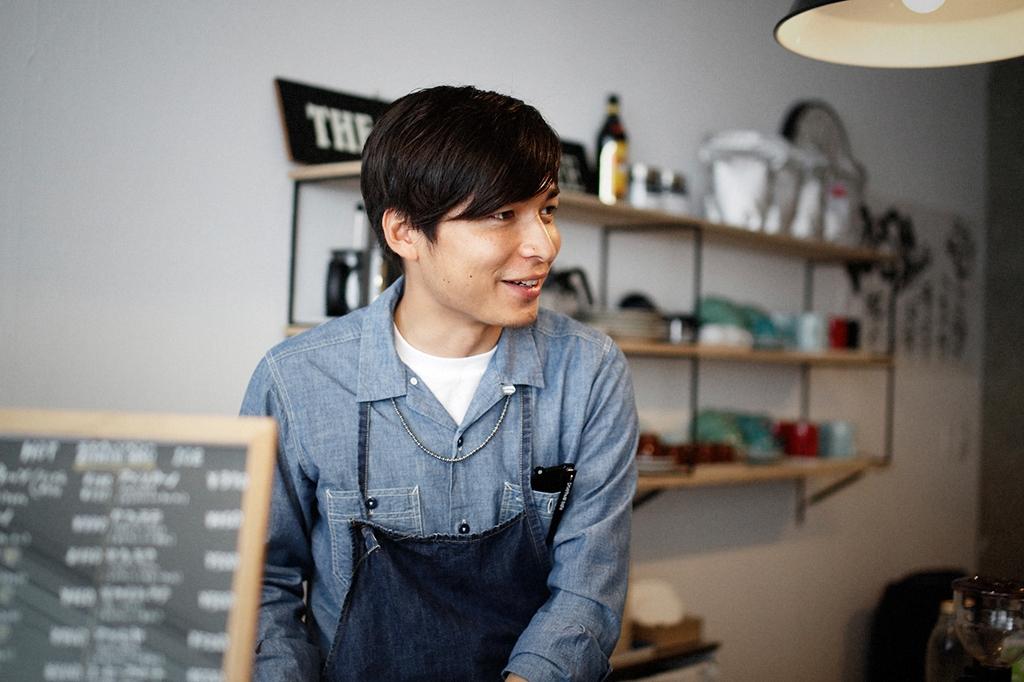 05/25(雨) – ROSA COFFEE オーナー兼バリスタ (31歳)-32