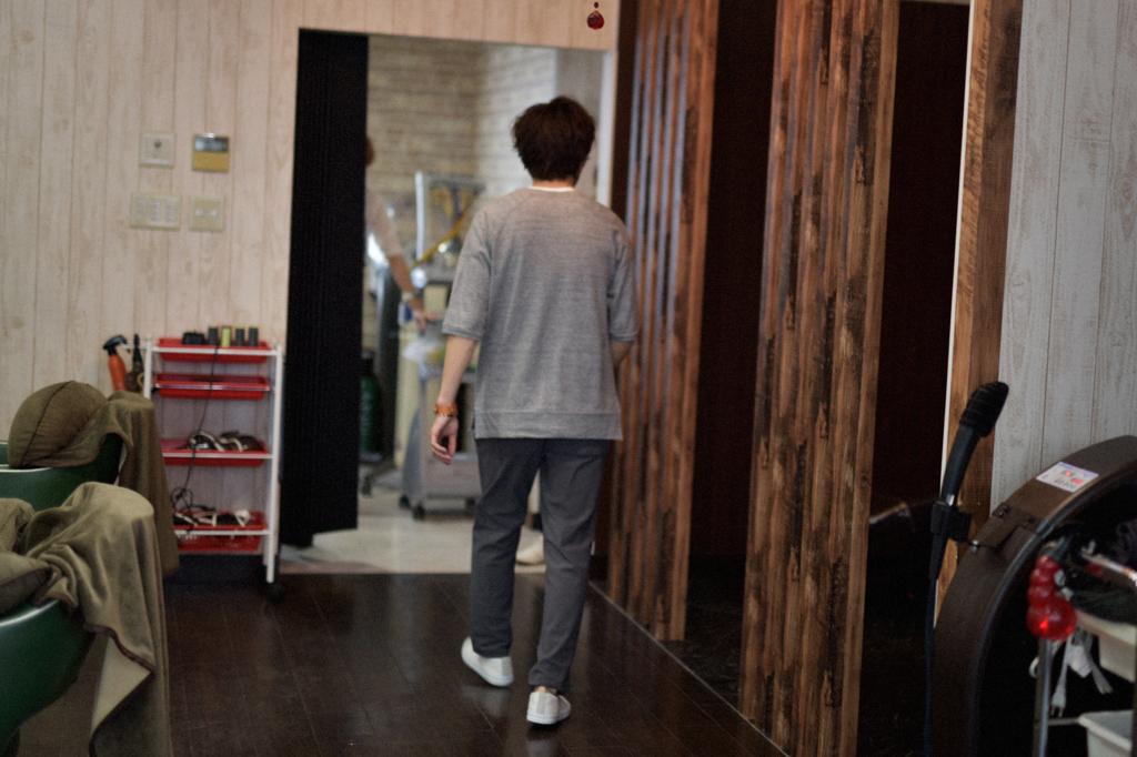 05/20(曇り) – 美容師 (26歳)-015
