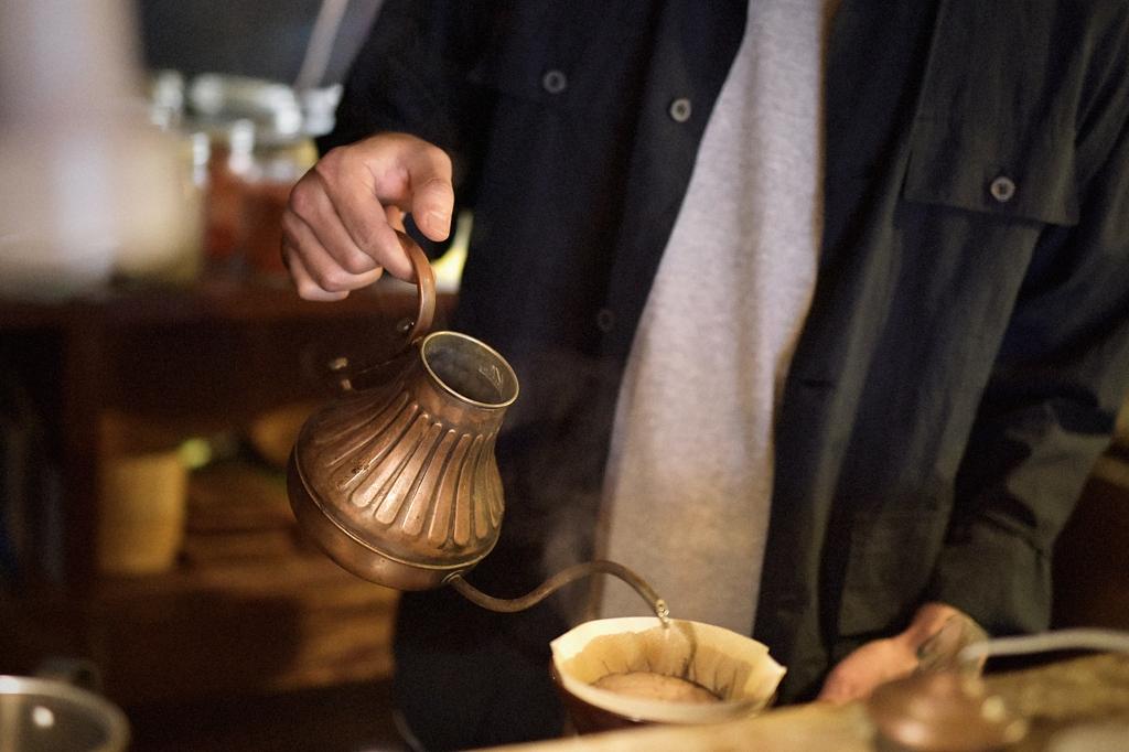 04/28(晴れ) – 喫茶 Quantum オーナー (36歳)-012f2