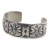 Indian jewelry-J : FLOWER MOTIF - ナバホバングル