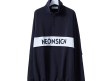 NEON SIGN-ANORAK SWEAT - Black