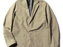 DESCENTE PAUSE-SEAMTAPED JACKET - Beige