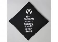 MOUNTAIN RESEARCH-DEMO GOODS 043 - Protester's Cushion - Black