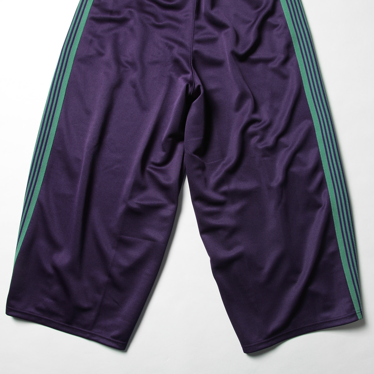 Needles / H.D. Track Pant - Poly Smooth バックシルエット