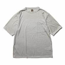 BATONER / バトナー | WASHABLE WOOL POCKET T-SHIRT (メンズ) - Ivory × Blue Gray
