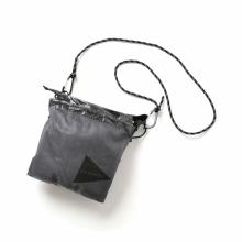 and wander / アンドワンダー | cuben fiber sacoche - Black
