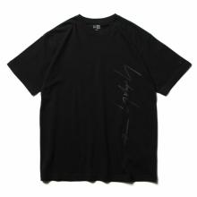Yohji Yamamoto / ヨウジ ヤマモト | Yohji Yamamoto × New Era S/S YY PRINT COTTON TEE - Black