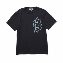 GOODENOUGH / グッドイナフ | PRINT TEE - 75 - Charcoal
