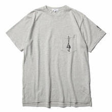 ENGINEERED GARMENTS / エンジニアドガーメンツ | Printed Cross Crew Neck T-shirt - 1G - Grey