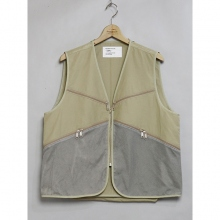 ....... RESEARCH | Game Vest - MOUNTAIN AGE - Beige
