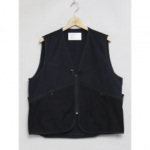 ....... RESEARCH | Game Vest - MOUNTAIN AGE - Black