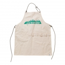 and wander / アンドワンダー | printed canvas apron - White