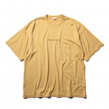 WELLDER / ウェルダー | Wide Fit Pocket T-Shirts (To be or not to be Embroidery) - Mustard
