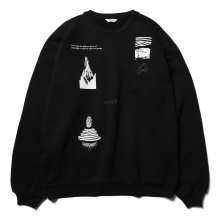 WELLDER / ウェルダー | Wide Fit Crewneck (STRATIFY Concept Print & Embroidery) - Black