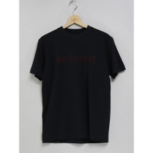 ....... RESEARCH | Embroidery Tee - NO FUTURE - Black