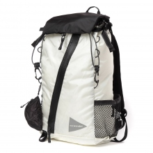 and wander / アンドワンダー | 30L backpack - White