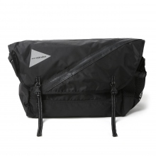 and wander / アンドワンダー | 20L messenger bag - Black